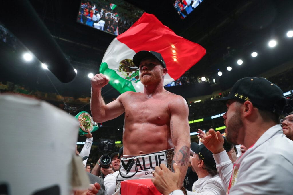 Canelo Alvarez Sued Golden Boy Promotions/DAZN Tuesday